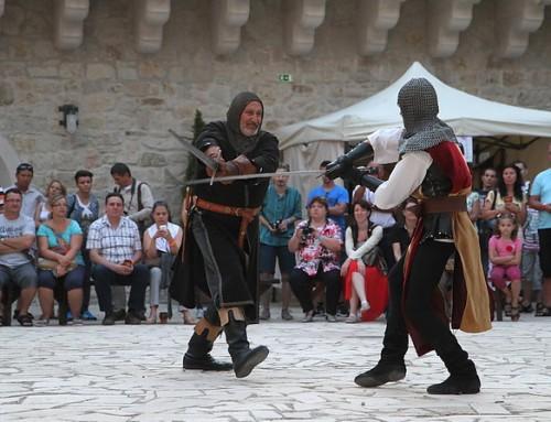 Történelmi forgatag a Diósgyőri várban