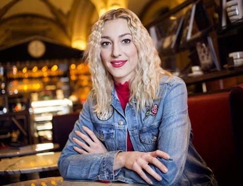 """""""Egy sokkal őszintébb, bensőségesebb produkció jön majd létre"""" – interjú Horányi Julival"""