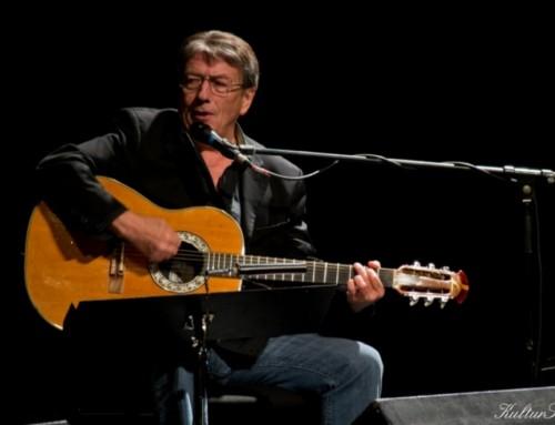 Zorán unplugged koncertet ad szombaton a Sportarénában
